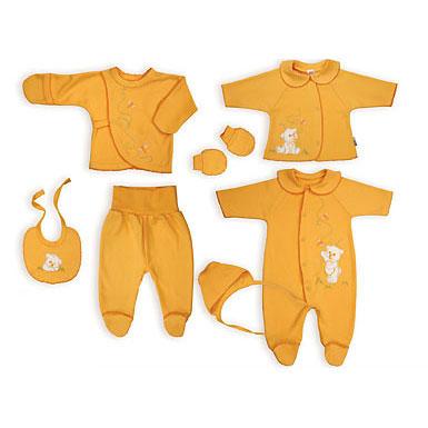 Одевая новорожденного( ребенка до 1-го мес. жизни) следите, чтобы швы на одежде были с наружной стороны. Детская одежда должна легко одеваться и сниматься
