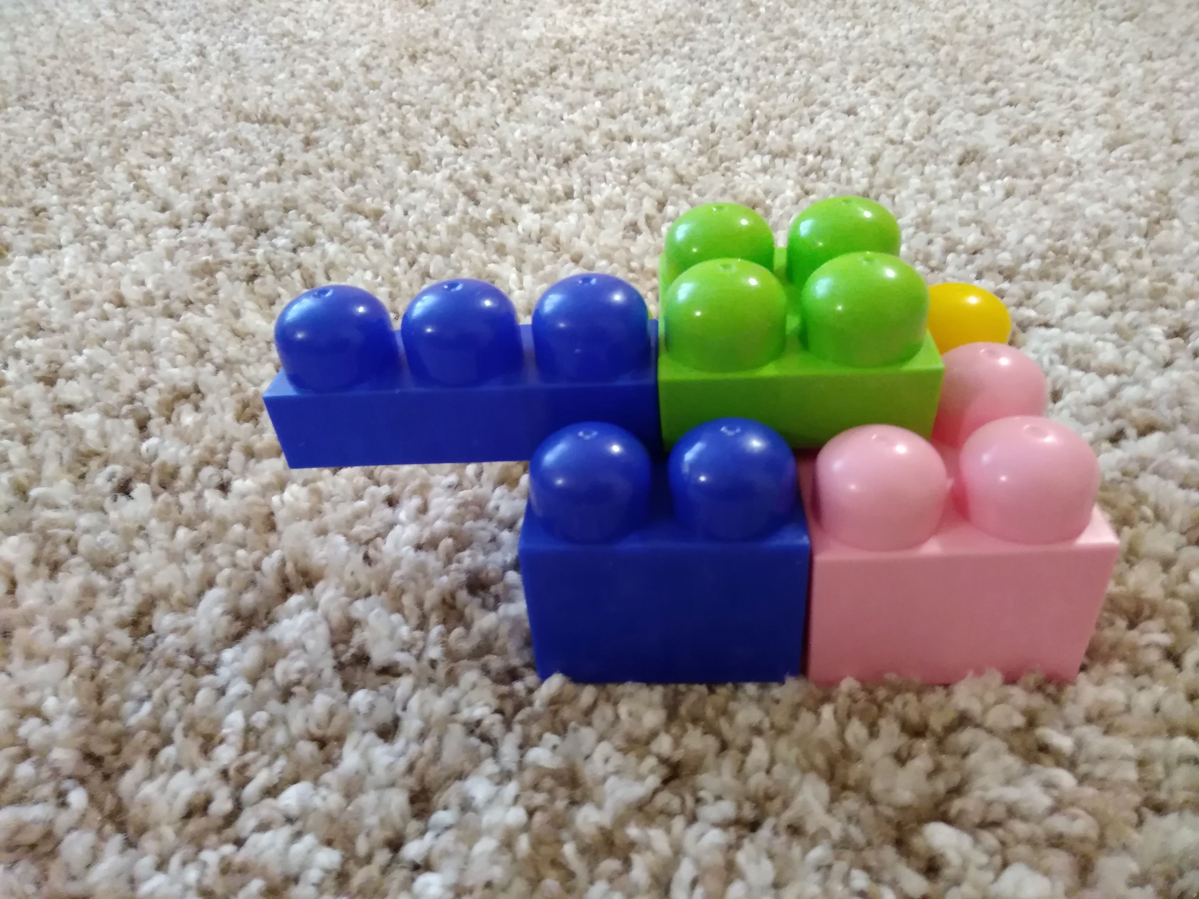 Игрушка - лего
