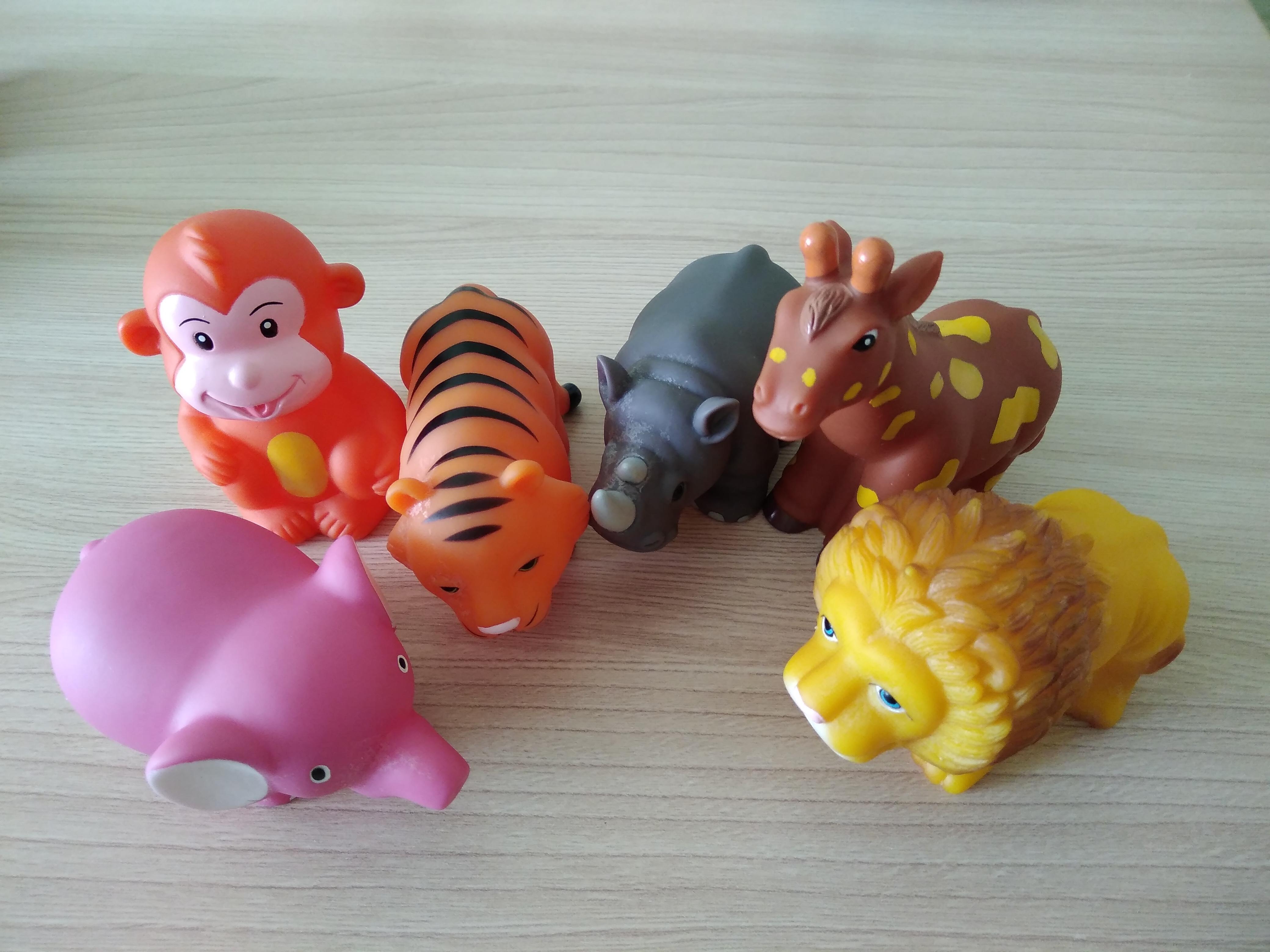 Игрушки для детей резиновые