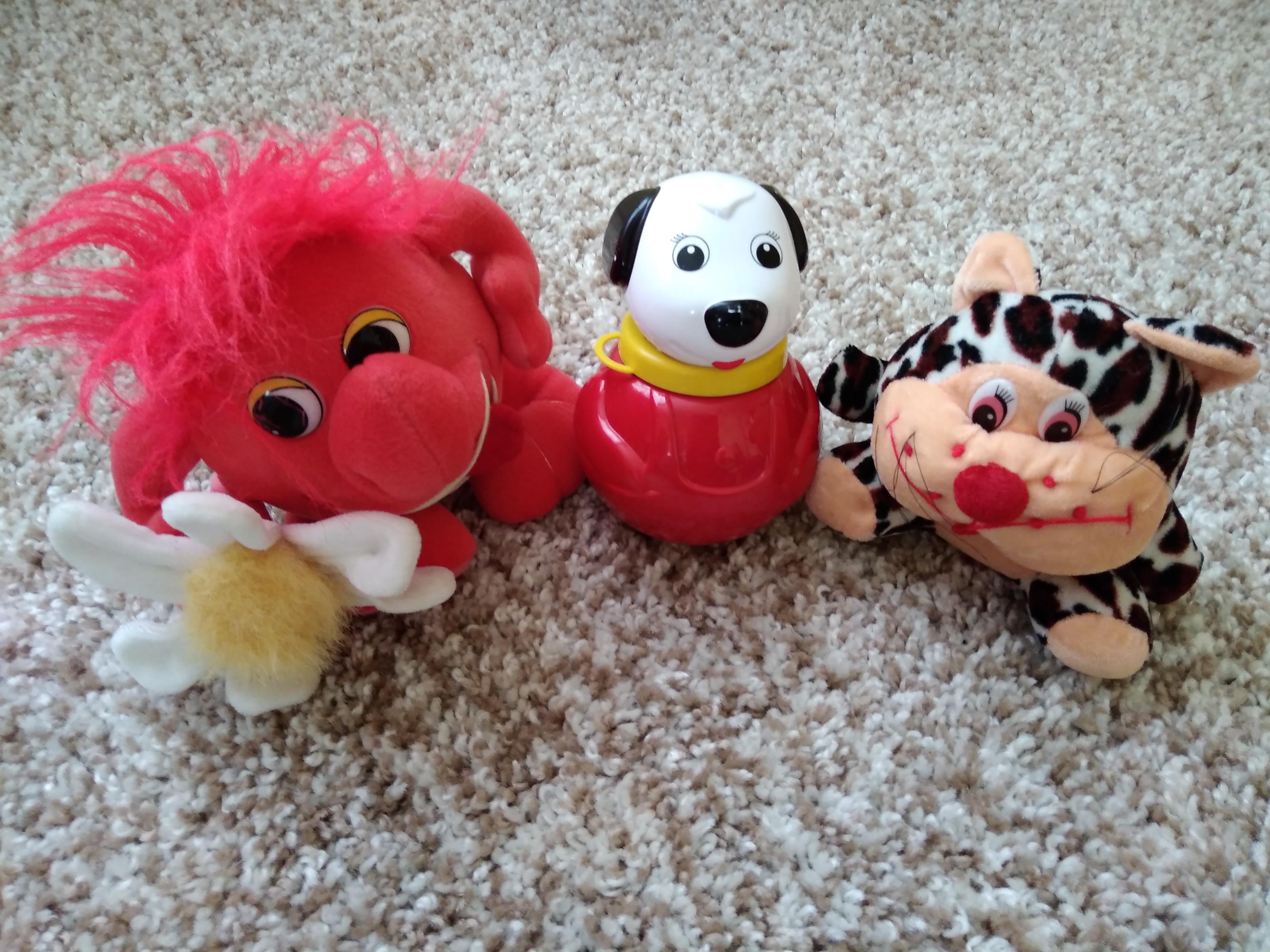 Детская игрушка неваляшка